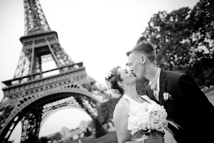 Siw & Christian, intimate wedding in Paris 2