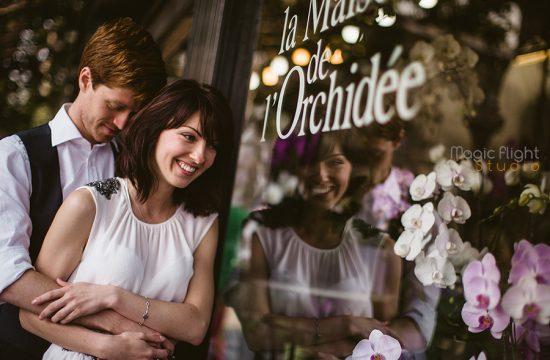 a couple for an honeymoon in Paris