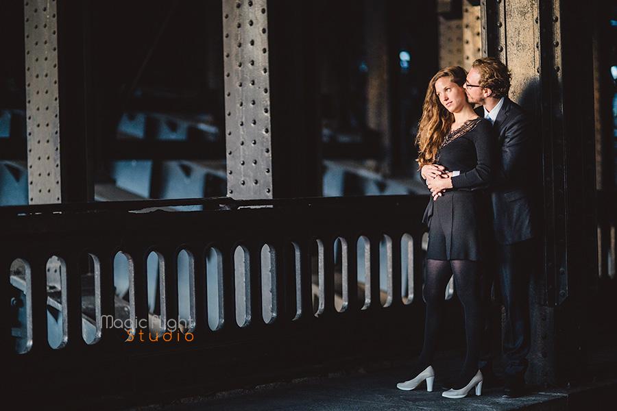 une séance de couple avant mariage dans des endroits à la mode et parisiens