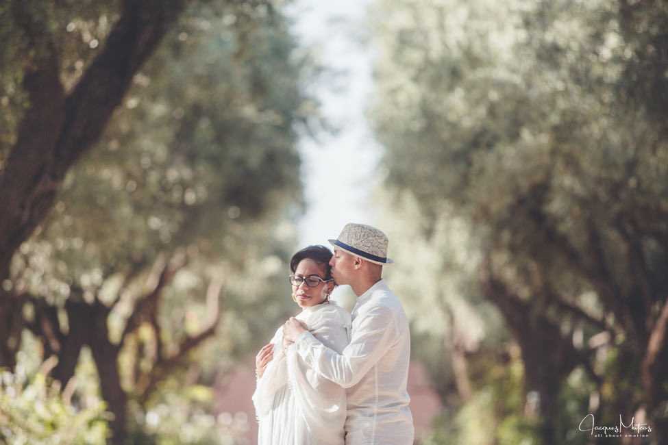 Photos de couple à Marrakech, jardins de La Mamounia 4