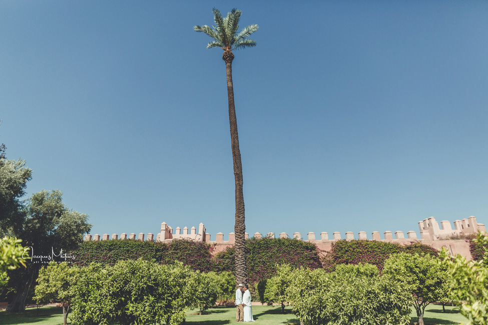 Photos de couple à Marrakech, jardins de La Mamounia 10