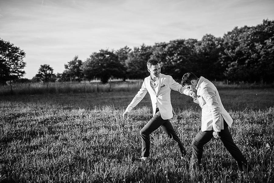 mariage très gai à la campagne 72