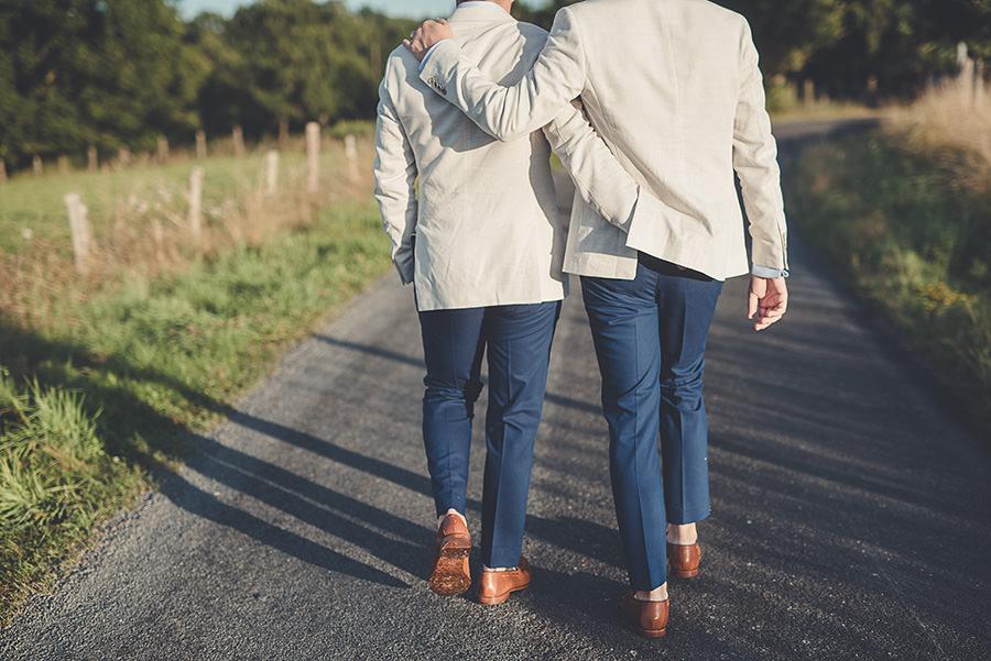 mariage très gai à la campagne 73
