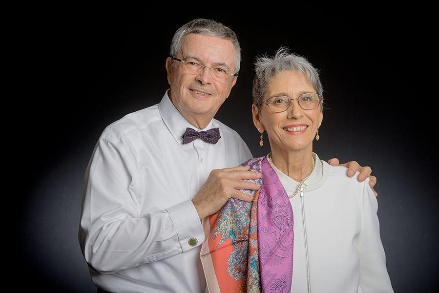 les grands parents tous les deux
