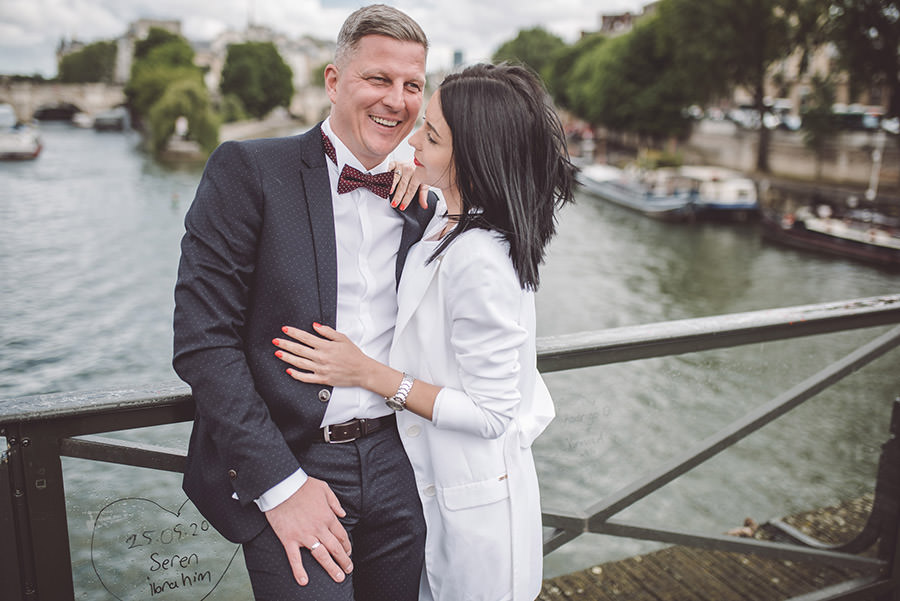 photos de couple au ponts des arts
