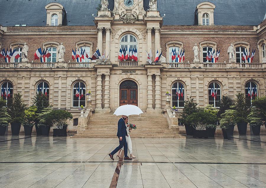 la mairie d'Amiens pour un mariage sous la pluie