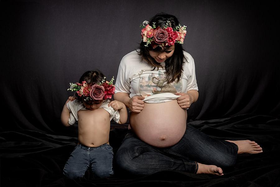 en attendant bébé on se regarde le ventre