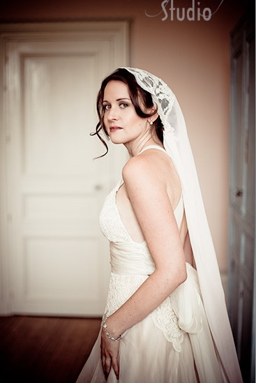 la mariée et son voile, mariage au chateau Clerbise