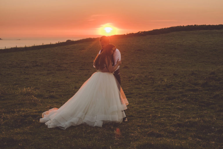le soleil se lève sur les mariages