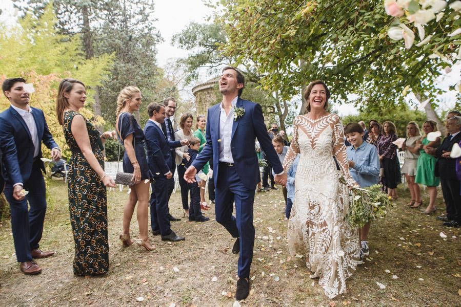 sortie des mariés à la cérémonie à Tinchebray